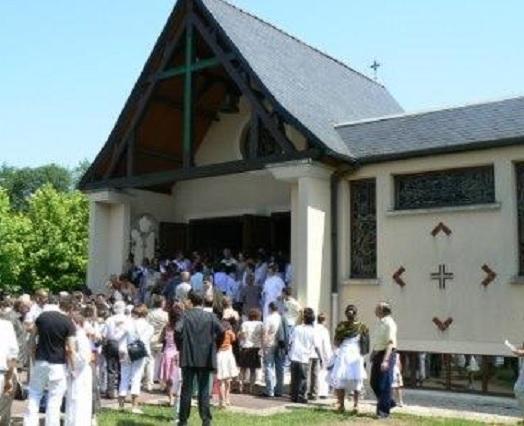 Eglise les pèlerins d'Emmaüs à Pontault-Combault 77340